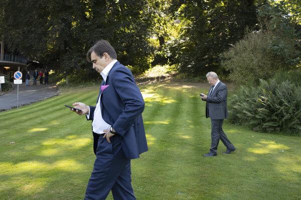 Čo to má vlastne Schinas ochraňovať?