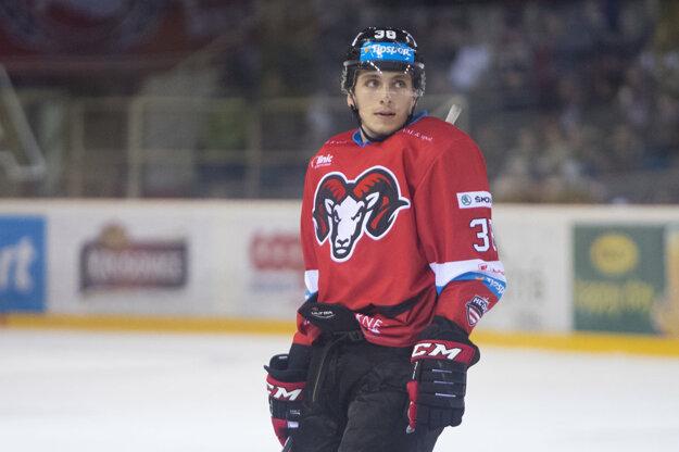 Kanadský hokejista Guillaume Asselin.
