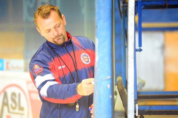 Tréner HKM Zvolen Andrej Podkonický.