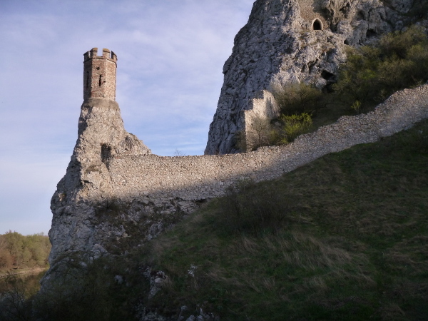 hrad-devin-1_r7893.jpg