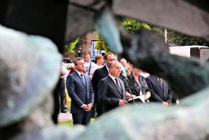 Šesť rokov po veľkom banskom nešťastí Handlovčania spomínali na dvadsať obetí.
