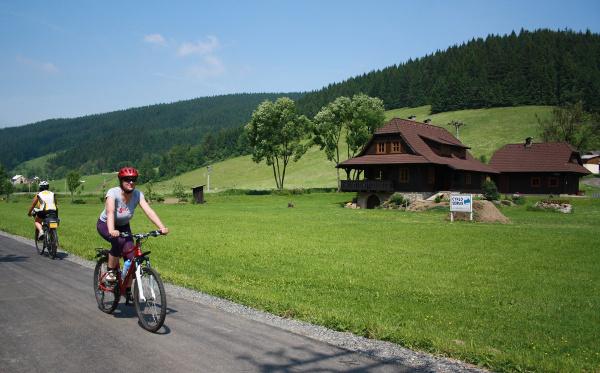 cyklostezka-becva_r8687.jpg