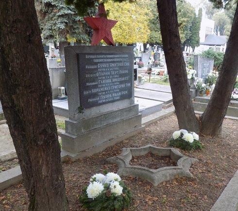 hroby-padlych-v-2.svetovej-vojne--2-_r2438_res.jpg