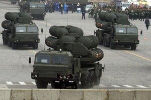 Vozidlá ruského protiraketového systému S-400 Triumf.