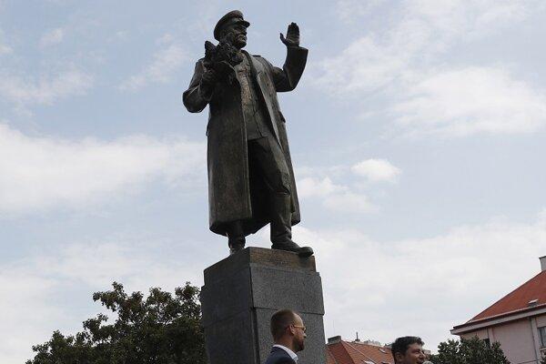 Socha sovietskeho veliteľa Ivana Koneva na Námestí interbrigády v Prahe.