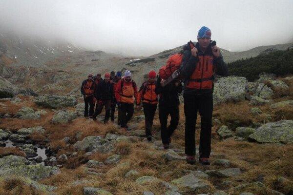 Do terénu sa vybralo osem záchranárov. Ilustračné foto.