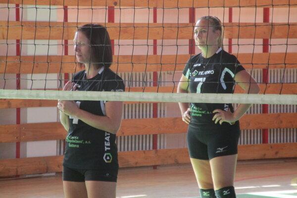 Alena Kudlíková ml. a Lucia Kačániová sú skúsené hráčky.