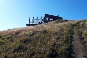 Torzo pôvodnej vrcholovej stanice.