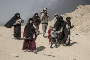 Ľudia z Mosulu, ktorí opustili svoje domovy.