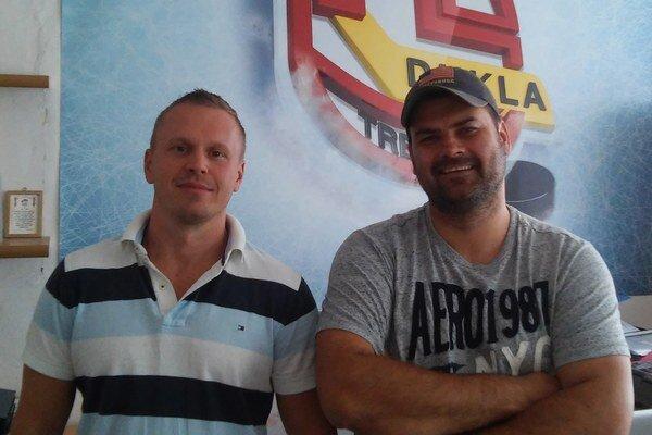 Lukáš Frývaldský (manažér Gladiators Trenčín) a Ján Kobezda (generálny manažér HK Dukla Trenčín).