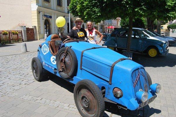"""Malá Rosalie- """"Retro Citroën"""" Jarina Hořavu, ktorý prešiel celú Európu."""