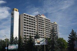 Hotel Zakarpatie, pripomínajúci sovietsku éru.