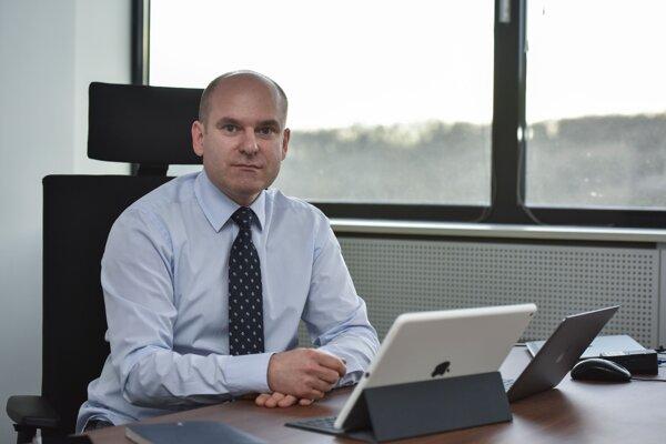 Generálny riaditeľ Sekcie kybernetickej bezpečnosti na Úrade podpredsedu vlády SR pre investície a informatizáciu Jan Majtan.