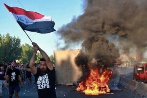 Nepokoje vypukli v utorok v Bagdade a rozšírili sa do prevažne šiitských juhoirackých provincií.