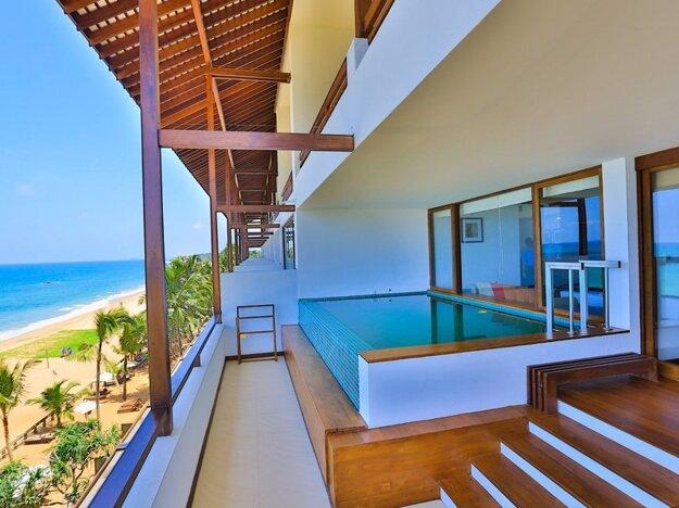 Pandanus Beach Resort 4*