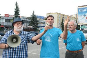 Rovinský (vľavo) považuje projekt za bublinu, podľa Gregoreka (v strede) nie je miesto pre toľko stromov.