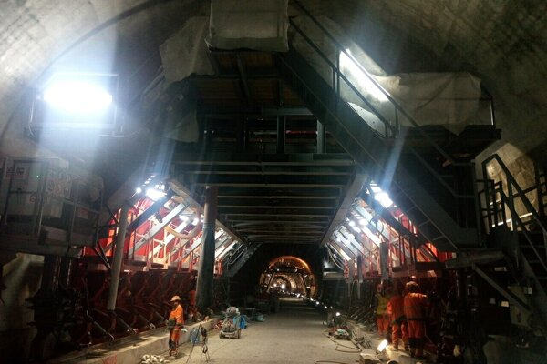 Stavbári prerazili tunel Prešov o tri mesiace skôr.