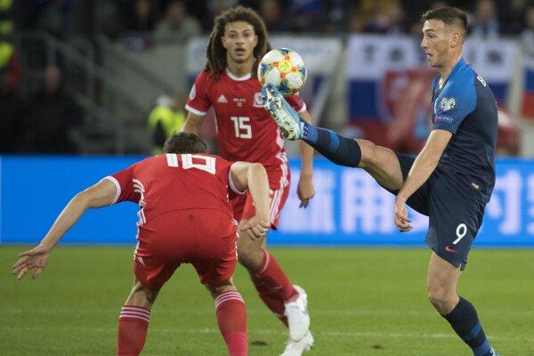 Róbert Boženík v zápase Slovensko - Wales (kvalifikácia EURO 2020).