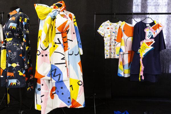 Jedna z finálnych prác Fullove od Lenky Sršňovej na výstave v Slovenskom národnom múzeu počas tlačovej konferencie Národnej ceny za dizajn 2019 v Bratislave 8. októbra 2019.