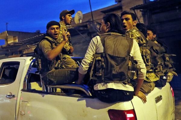 Turecko podporujú aj sýrski bojovníci.