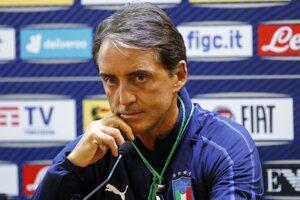 Roberto Mancini počas tlačovej konferencie.