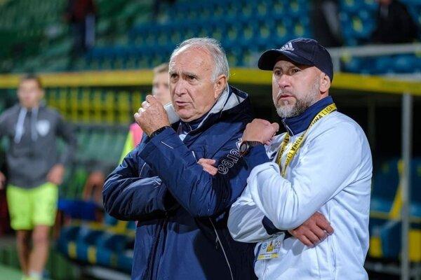 Ján Rosinský aj Rastislav Urgela skončili ako tréneri Pohronia. Kto bude tím trénovať po ich odchode, klub zatiaľ neoznámil.