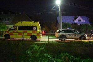 Na mieste tragédie zasahovala polícia do neskorých nočných hodín.