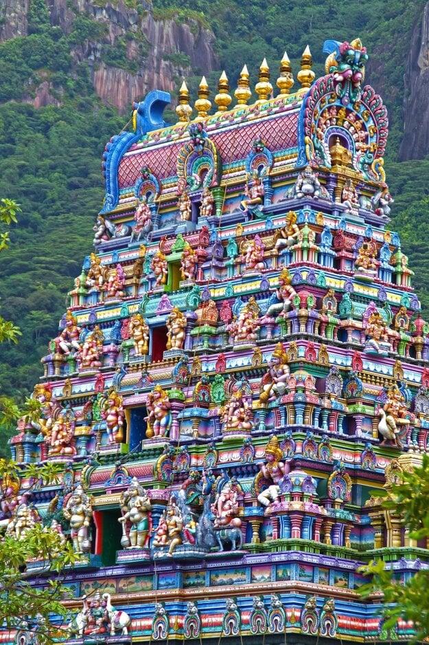 Hinduistický chrám na ostrove Mahé.
