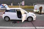 Zadržané auto na diaľnici.