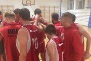 Basketbalisti z Bánoviec v dohrávke prehrali, doma sa však už tešili z víťazstva.