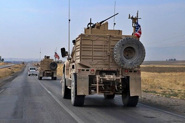 Američania opúšťajú sýrskych Kurdov.
