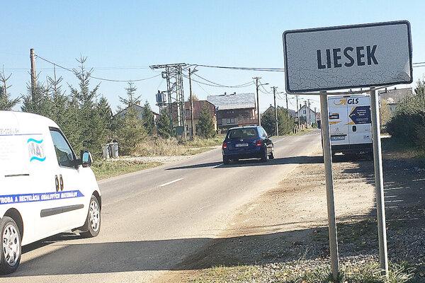 Liesek je špecifická dedina – pozemky pod miestnymi komunikáciami spravuje Slovenský pozemkový fond, nie obec.