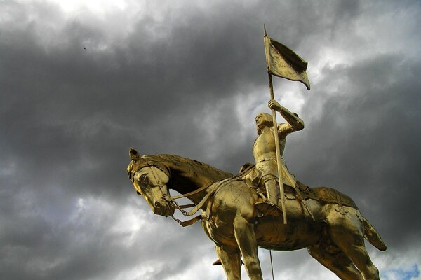 Socha Jany z Arku vo francúzskom Caen.