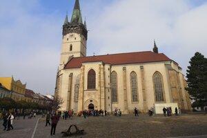 Veriaci odštartovali petíciu proti pódiu v blízkosti kostola.