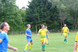 Rudnianska Lehota (v žltom) najlepším mužstvom jesene II. triedy.