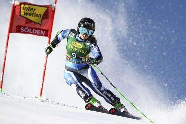 Alice Robinsonová na podujatí Svetového pohára v alpskom lyžovaní v Söldene.