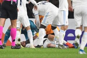 Bajrič ostal po súboji nehybne ležať na trávniku.