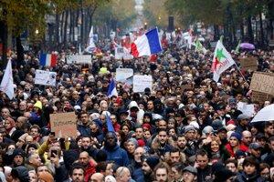 Protest proti islamofóbii v Paríži 10. novembra 2019.
