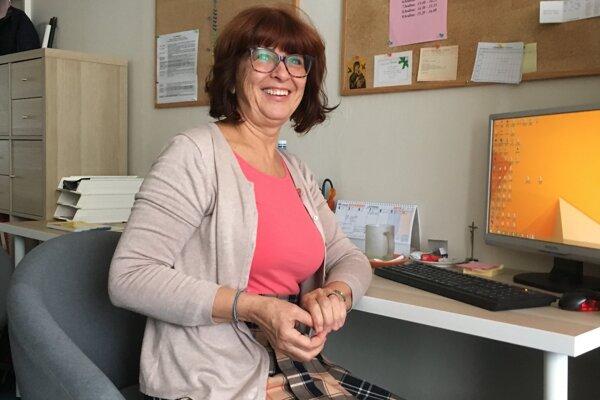 Alena Turčanová bola počas Nežnej revolúcie učiteľkou na základnej škole v Bratislave. Neskôr sa stala jej riaditeľkou.