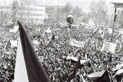 27. november 1989 na námestí v Žiline.