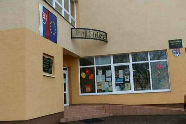 Zemplínska knižnica v Michalovciach bude hostiť debatu k výročiu Nežnej revolúcie.