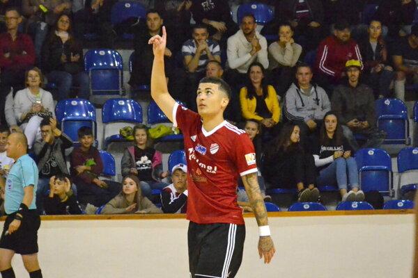 Matheus Ferreira sa podpísal pod päť gólov.