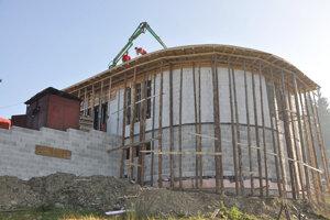 Výstavba pokračuje rýchlym tempom.