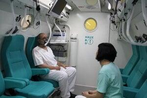 Hyperbarická komora.
