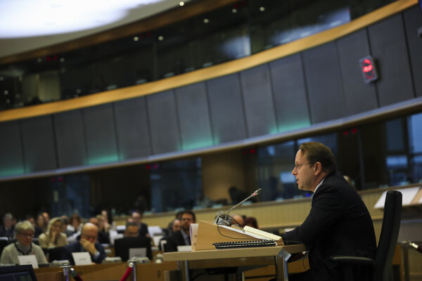 Eurokomisár pre rozširovanie a susedskú politiku EÚ Oliver Várhelyi.