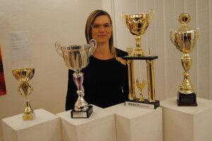 Veronika Očipová s trofejami.