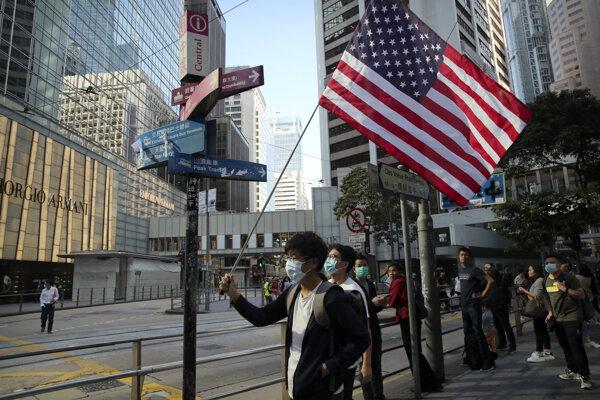 Protest v Hongkongu.