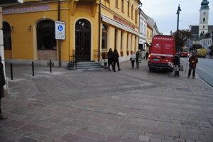 Osadili nové zábrany na Svätoplukovej.