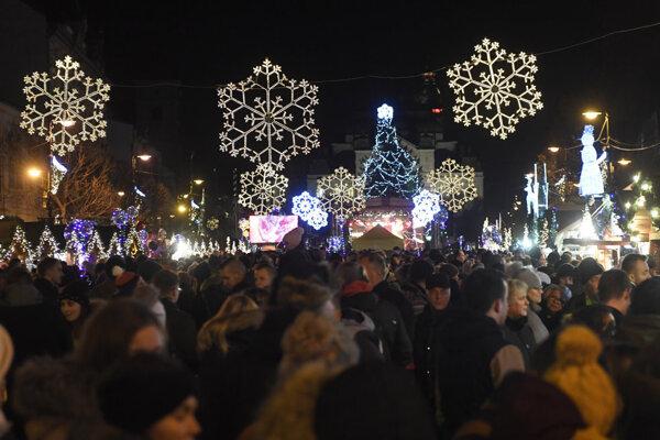 Otvorenie Košických rozprávkových Vianoc je naplánované na 5. decembra, stánky začínajú skôr, už 1. decembra.