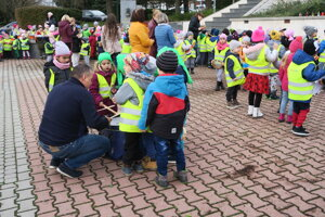 Bubnovaní deti symbolicky upozornili na svoje práva.